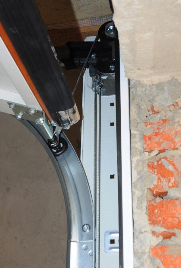 Garage door faulty